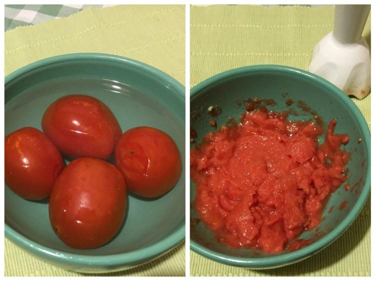 Я використала заморожені томати — дістала з морозилки, залила на пару хвилин гарячою водою, зняла шкірку і подрібнила блендером