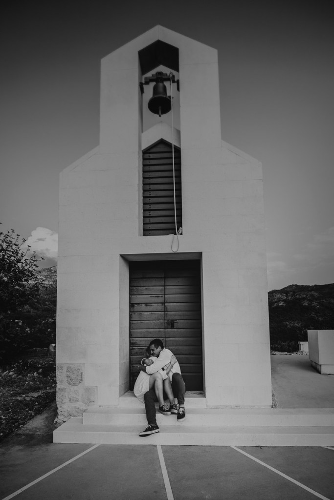engagement session croati hug