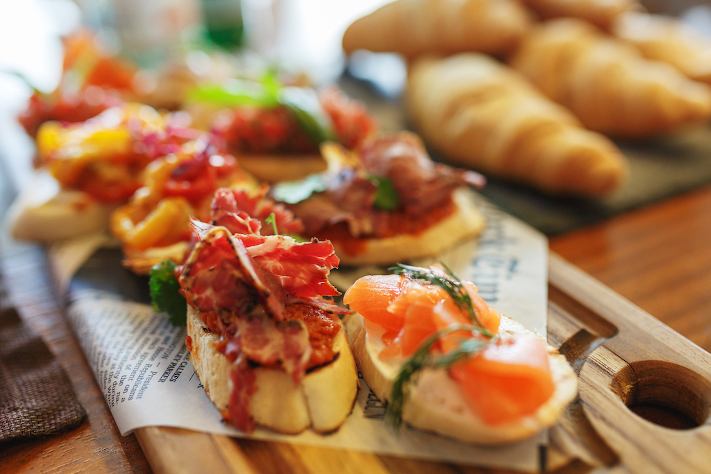 classic spanish tapas cooked for the visitors of t VMUS82G