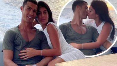 Photo of Georgina Rodriguez ndan një moment intim me Ronaldon, derisa shfaqen nga jahti në Saint Tropez