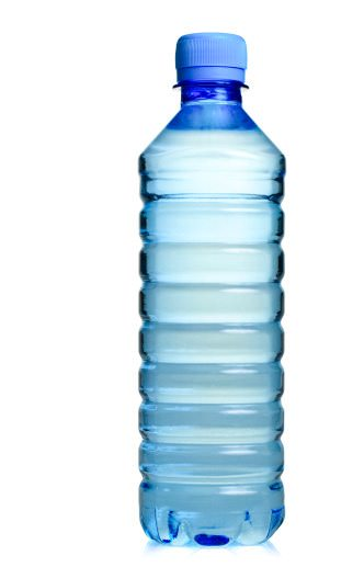 svuotare una bottiglia