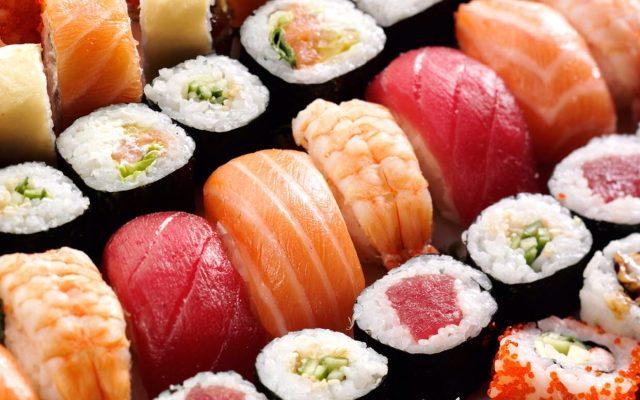 come si mangia il sushi.
