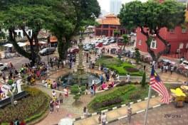 Plaza y bandera