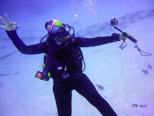 Foto del momento selfie submarino