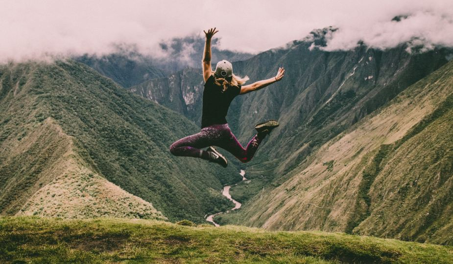 hyppy, nainen, luonto