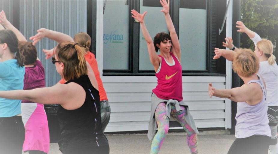 liikunta, naiset, hymy