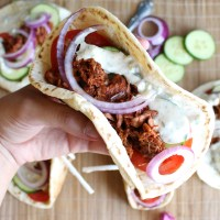 Vegan Gyros with Jackfruit and Creamy Tzatziki