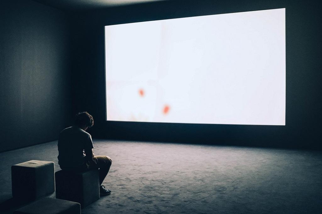 Tinejdžerima su potrebni roditelji, a ne ekrani