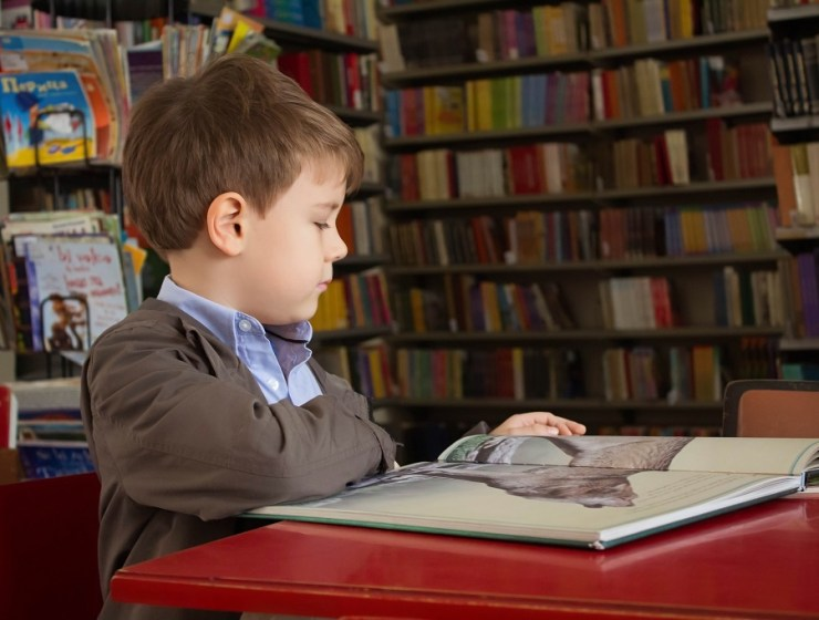 Kako potaknuti djecu da zavole čitanje