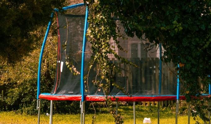 Trampolin za skakanje, spavanje, čitanje, igranje i još puno toga, ideje, slike, foto