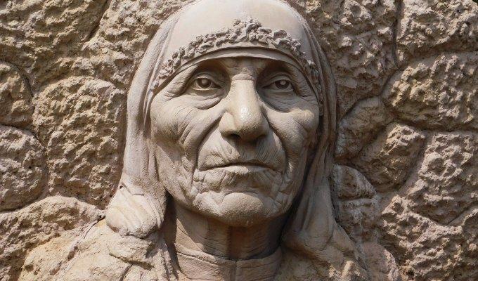 Razgovori s Majkom Terezijom – njezin portret, misija i ljubav prema Bogu