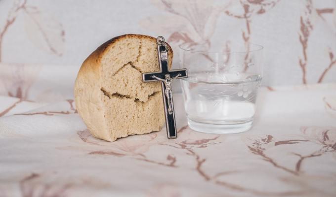 Nove korizmene kateheze za kućnu Crkvu