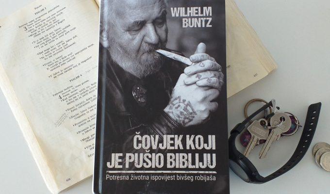 Čovjek koji je pušio Bibliju - nevjerojatna priča o obraćenju