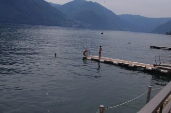 Como Lake with kids - dip