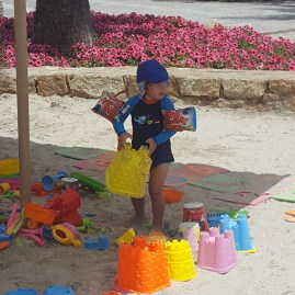 Greece with kids - life is a beach