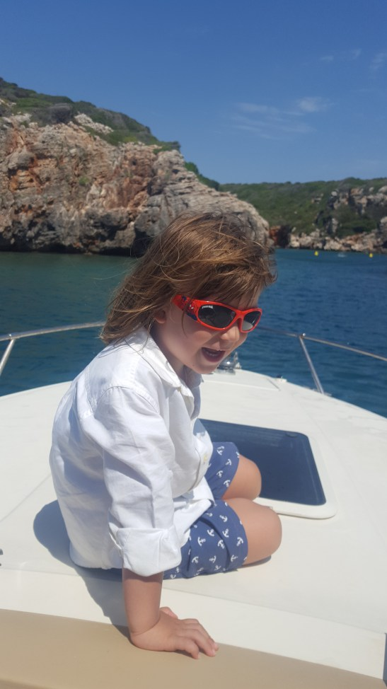 Sailing in Menorca with kids and babies