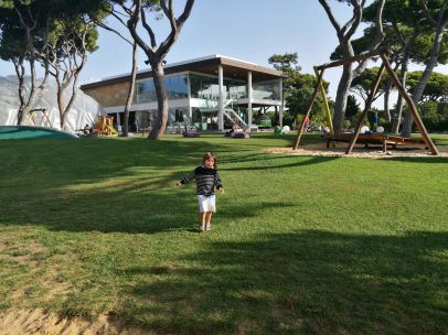 toddler travel essentials & zen parents : great kidsclub - Martinhal Cascais