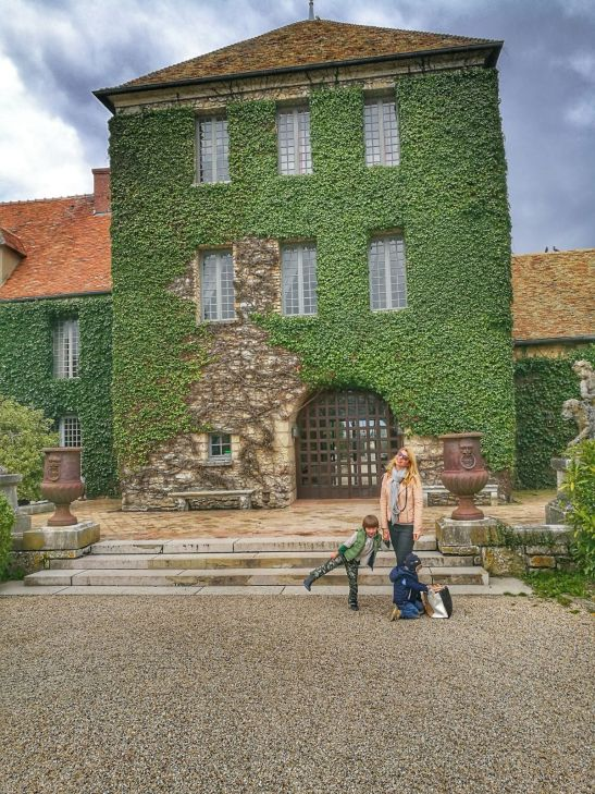 Chateau du Villiers le Mahieu - France road trip with kids