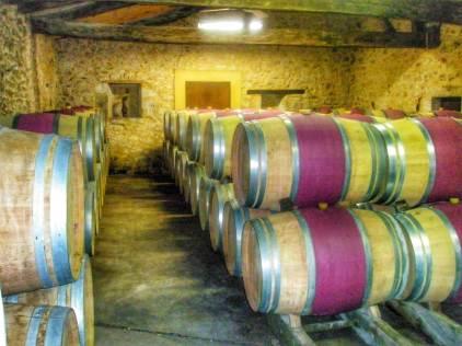 Luxury family holidays in the Dordogne: best chateau hotel Perigord: wine tasting Bergerac