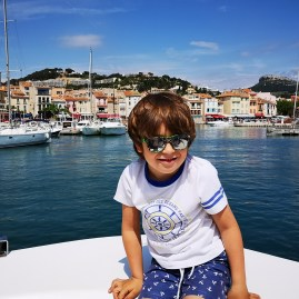 Cassis sailing with kids