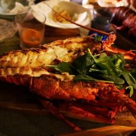 Best restaurants in Mahe Seychelles : fresh lobsters at Kempinski