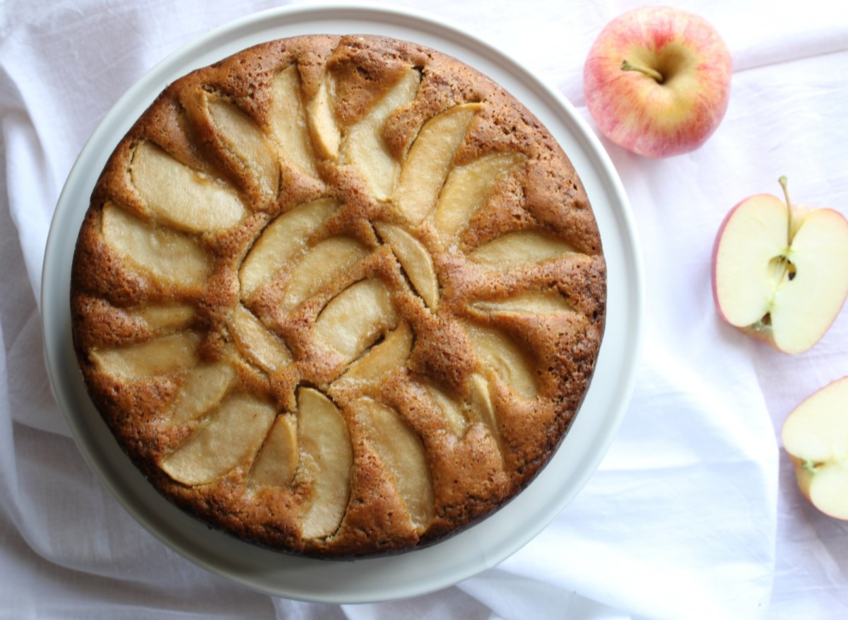 Paleo Apple Cake for Rosh Hashanah