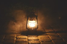 lampe avec lumière sombre