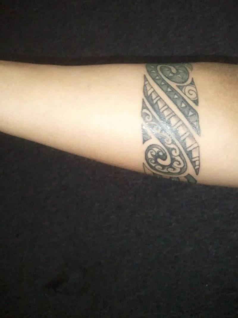 2 ringe um den arm tattoo  Beliebtester Schmuck