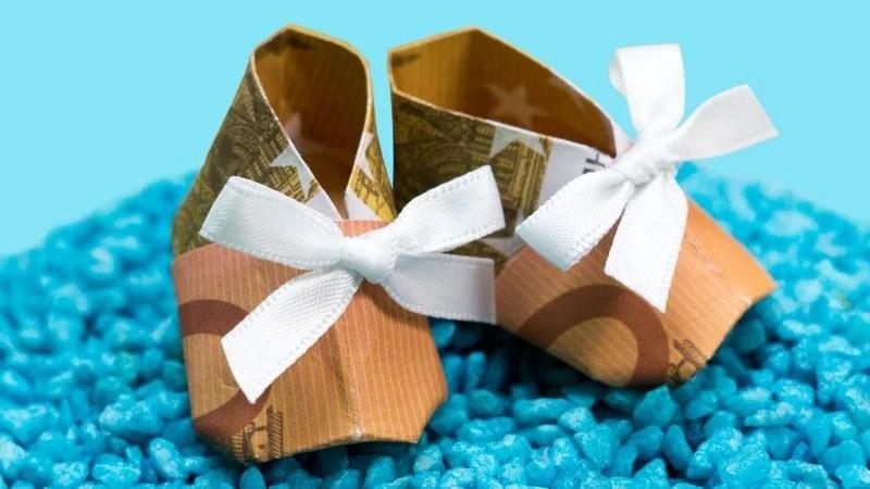 4 einfache Schritte fr Origami Geld Herz Falten  DIY