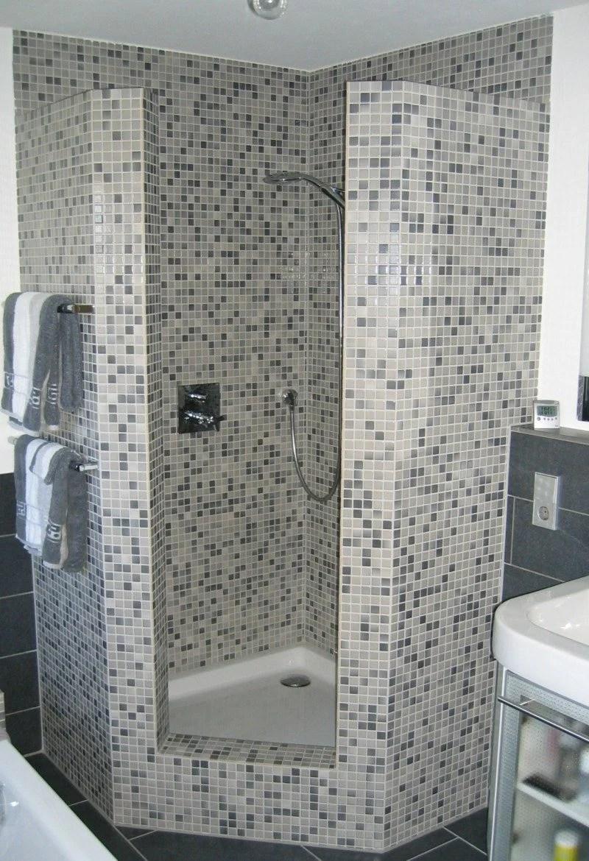 Gemauerte Dusche als Blickfang im Badezimmer Vor und