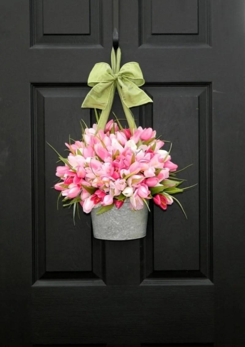 Frhlingsbasteln einen Trkranz aus bunten Blumen selber