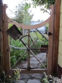 Gartentor selber bauen: DIY Anleitung und 45 einzigartige