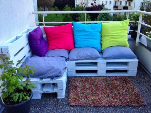 Paletten sofa balkon anleitung for Paletten couch balkon
