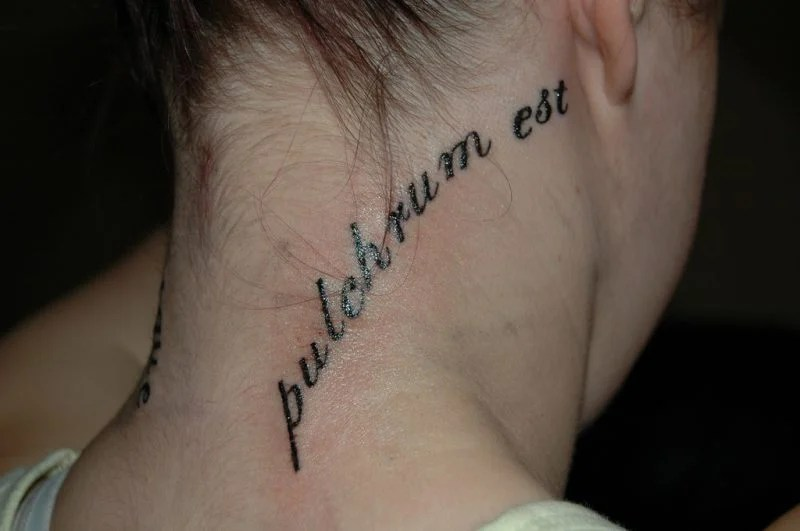 Tattoo Sprche der Stars  122 Ideen fr Tattoo Schriftzug  Tattoos  ZENIDEEN