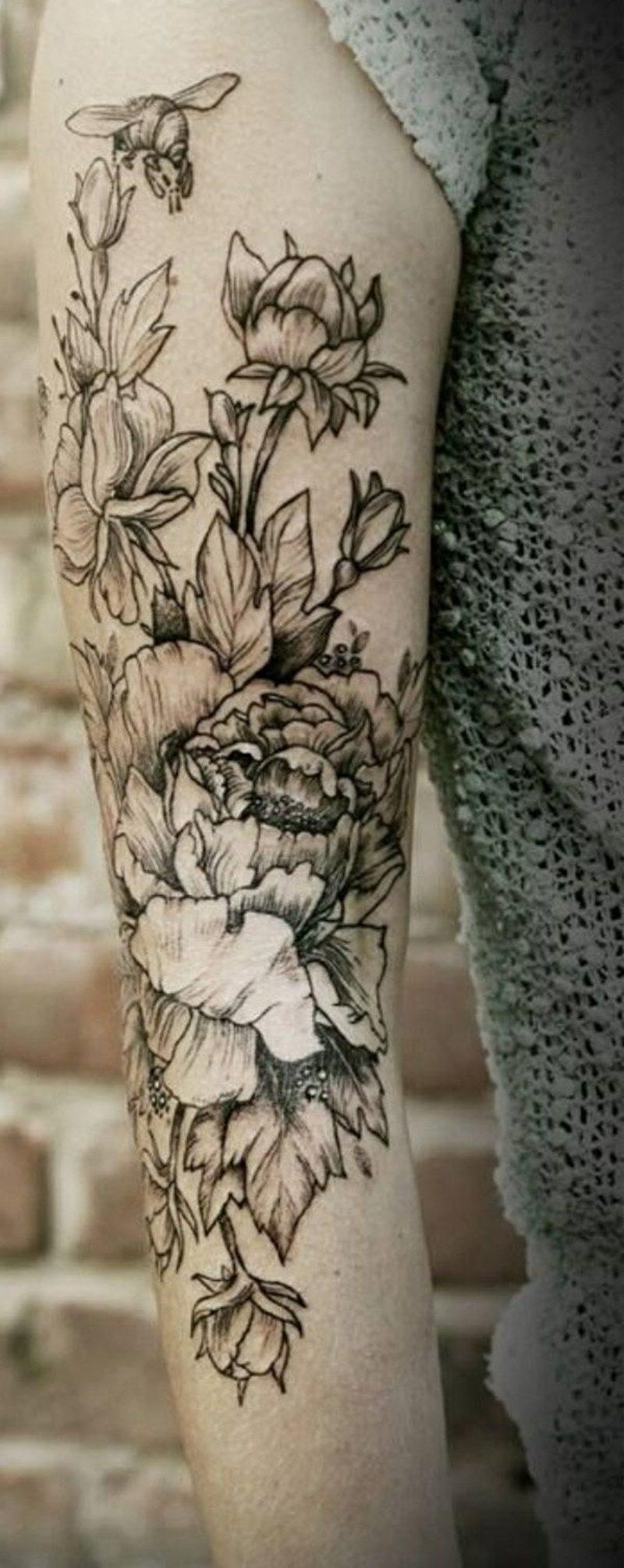 Blumen Tattoo Schwarz Weiß Deutschlands Top Tätowiererinnen