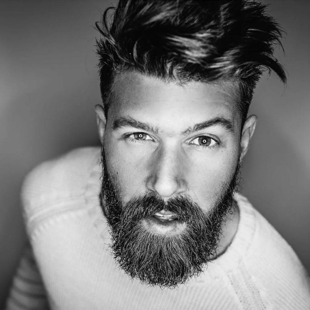 Moderne Frisuren Mit Bart