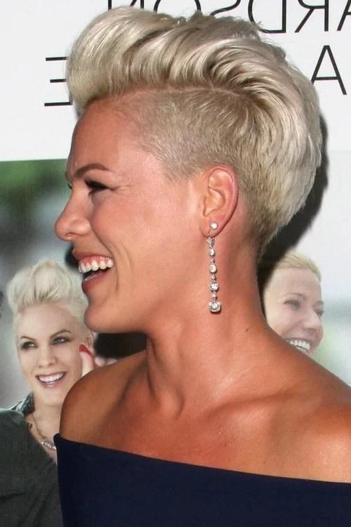 Undercut Frauen Frisuren  so stylen Sie den Undercut  DIY Frisurentrends  ZENIDEEN