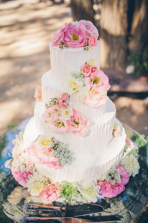 Hochzeitstorte Mit Blumen Dekorieren  Hochzeit