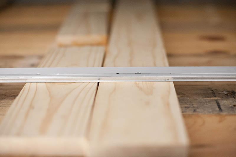 Kopfteil fr Bett aus Europaletten selber bauen  DIY Anleitung  DIY Mbel  ZENIDEEN