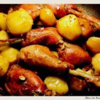 Friptura de pui de tara cu cartofi la cuptor