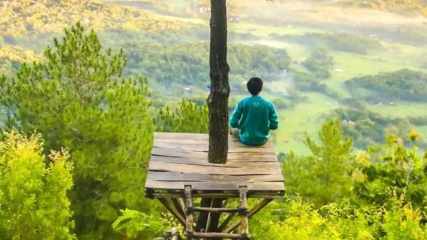 Alan Watts - Stare seduti senza uno scopo ci fa vedere il mondo com'è | Zen in the City