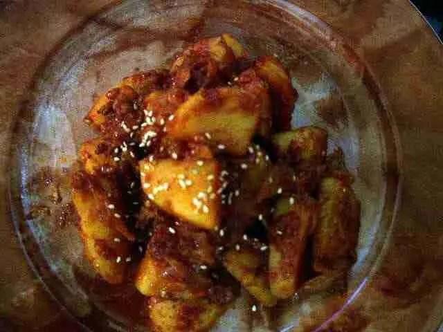 Spicy Garlicky Potato Side Dish — Gamja Jorim