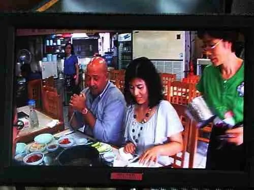 Behind-the-scenes with Bizarre Foods #2: Getting Folks on Camera
