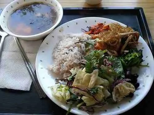 Buddhist Temple Lunch: Day 2