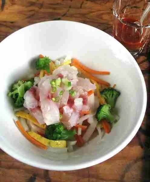 Salade a la dorade crue sauce coreenne