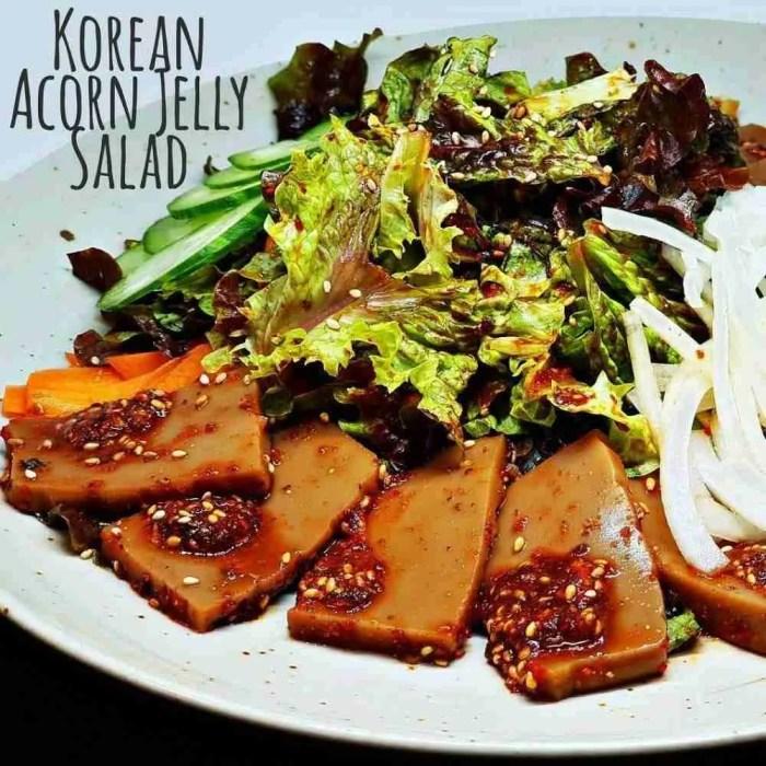 Korean acorn jelly salad