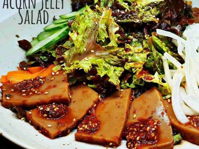 Korean acorn jelly salad
