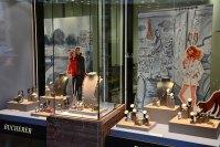 100+ Jewelry Window Displays - Ideas & Designs | Zen ...