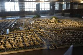 Model of Himeji Castle in the oldern days
