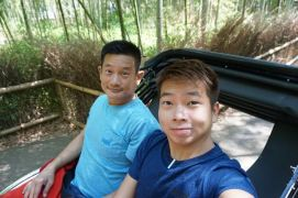 Taking a wefie on the rickshaw